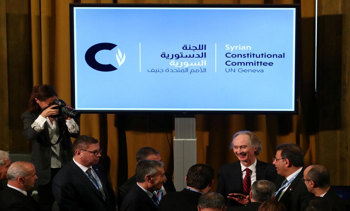اللجنة الدستورية السورية مع غير بيدرسون - وكالات