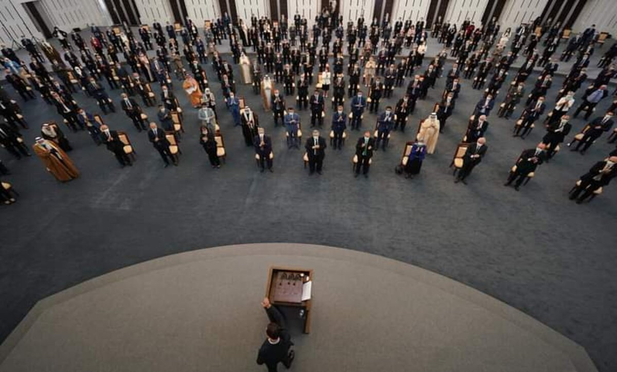 بشار الأسد في البرلمان - رئاسة الجمهورية في فيسبوك