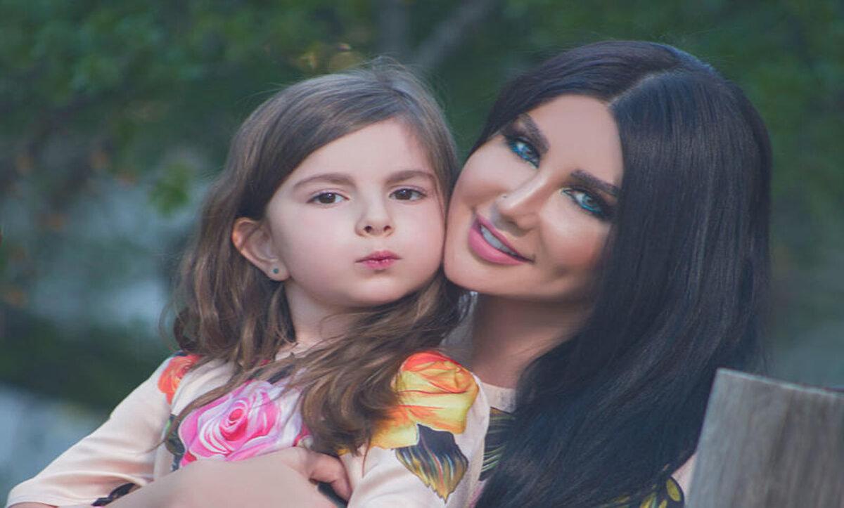 جيني إسبر وابنتها - مواقع التواصل