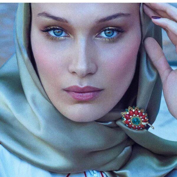 عارضة الأزياء ابنة محمد حديد