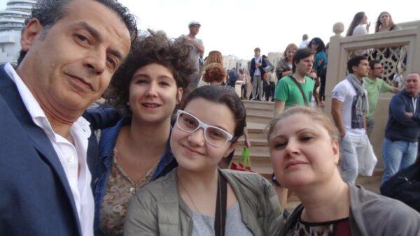 عدنان أبو الشامات وعائلته