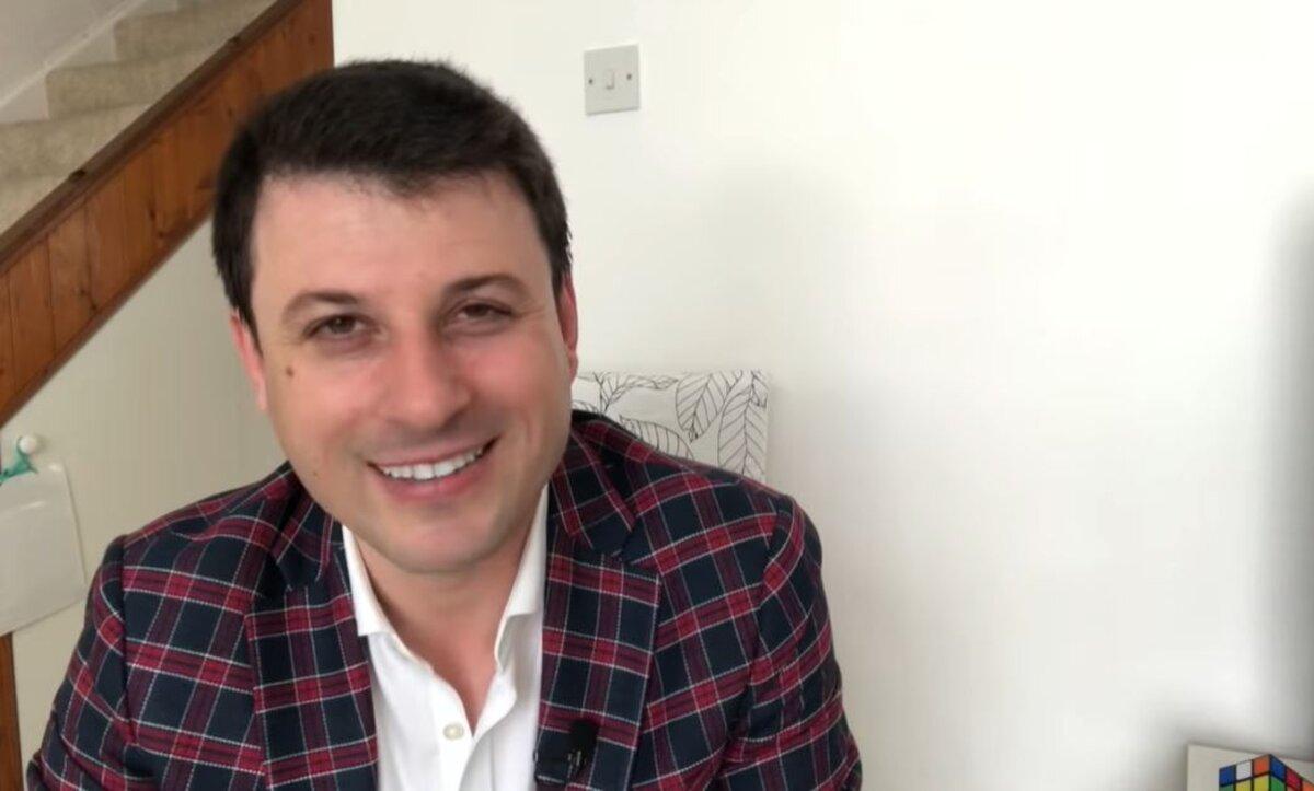 أحمد الفاخوري - مواقع التواصل