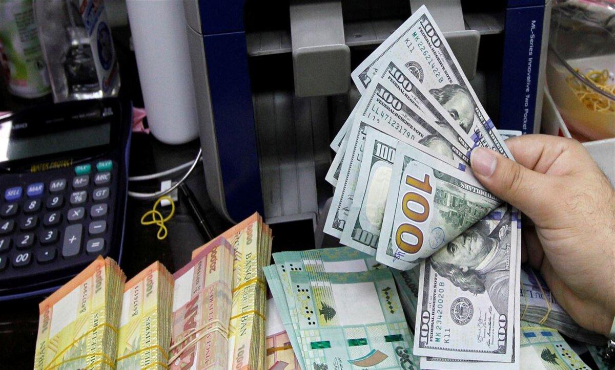 الدولار الأمريكي والعملات مواقع التواصل