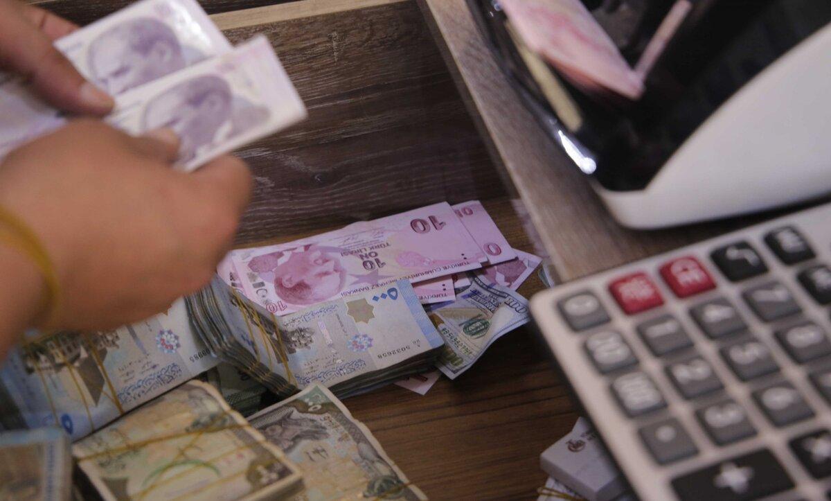 الليرة السورية والتركية مقابل العملات الأجنبية - تعبيرية