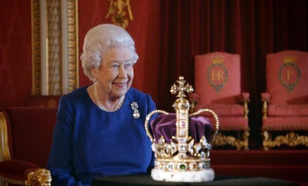 كعكة الملكة اليومية وشاي الأمير تشارلز.. عادات الطعام عند العائلة الملكية البريطانية