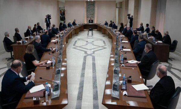 بشار الأسد أمام مجلس الوزراء - مدى بوست