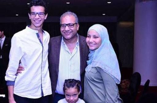 بيومي فؤاد مع عائلته