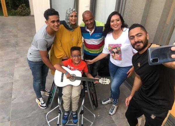 تامر حسني مع محمد