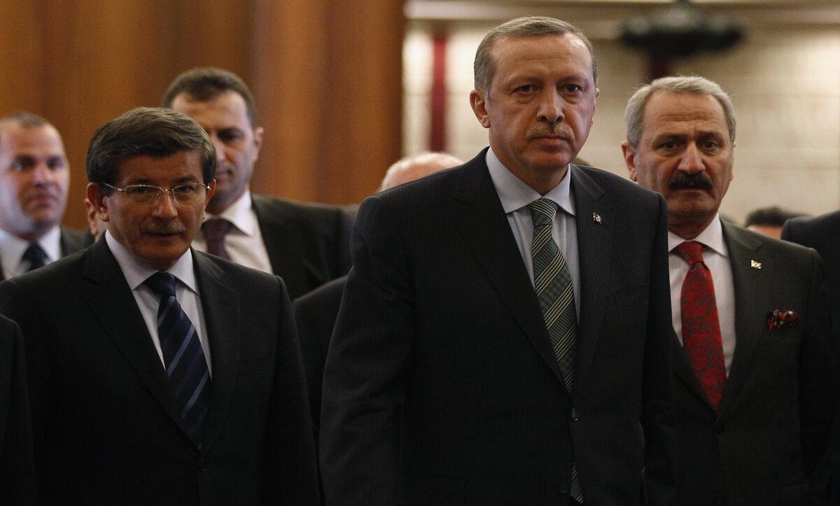 داوود أوغلو وأردوغان - مواقع التواصل