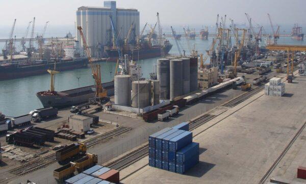 روسيا تسيطر على ما تبقى من ثروات في سوريا - ميناء طرطوس