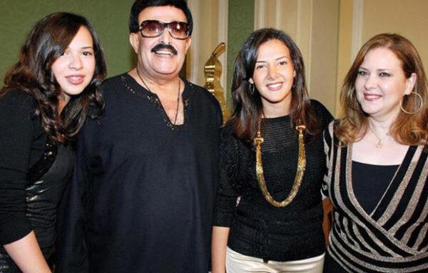 سمير غانم مع عائلته