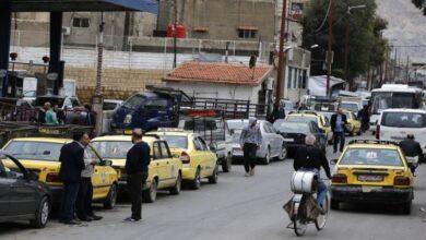 Photo of روتين يومي للسوريين في انتظار الوقود والخبز وأساسيات المعيشة (فيديو)