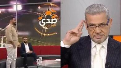 Photo of مصطفى الآغا يمتدح ضيفاً وقف حين ذكر والده في حلقة صدى الملاعب (فيديو)