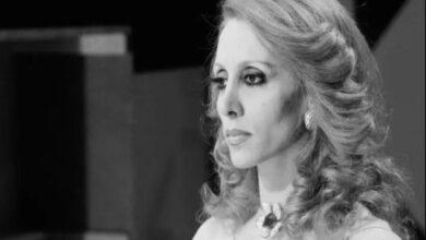 Photo of فيروز .. ما لايعرفه الكثيرون عن النجمة اللبنانية التي زارها ماكرون ومسؤولون كبار ووصلت إلى العالمية بفضل صوتها المميز (صور – فيديو)