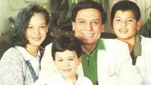 محمد إمام مع عائلته