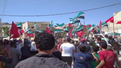 "Photo of مظاهرات شعبية تطالب تركيا بالبقاء في سوريا واستعادة مناطق في حلب وإدلب ""فيديو"""