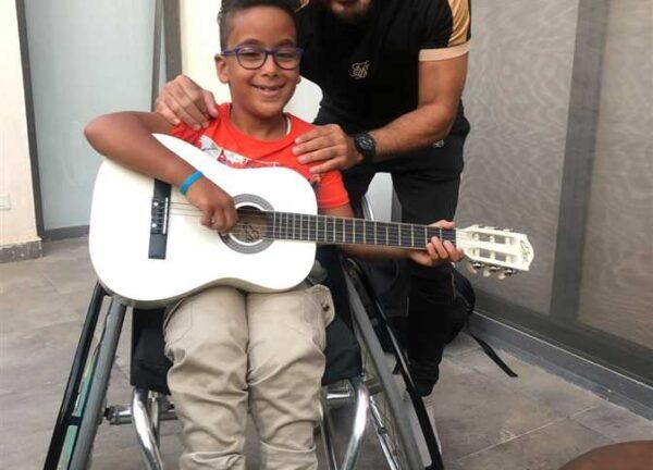 تامر حسني مع الطفل محمد