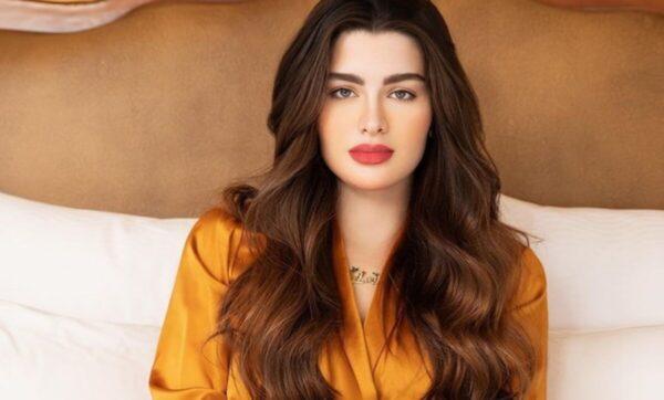 روان بن حسين - عارضة أزياء كويتية