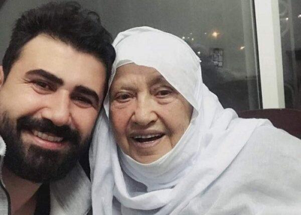 خالد القيش ووالدته
