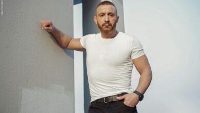 Photo of أحمد السقا يحكي قصة مشهد كاد أن يفقده حياته..ومغامرات وكوارث مع الفنانين