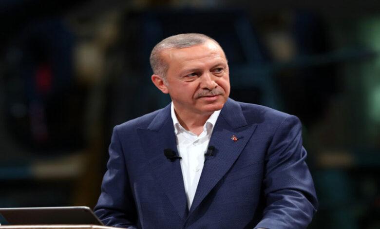 Photo of ناشطون يتداولون ما قاله الرئيس أردوغان عن رسول الله للرد على ماكرون (فيديو)
