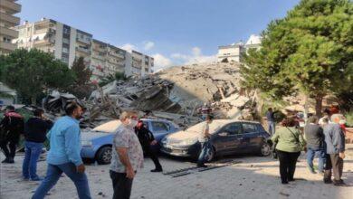 Photo of المشاهد الأولية لزلزال أزمير غرب تركيا (فيديو)