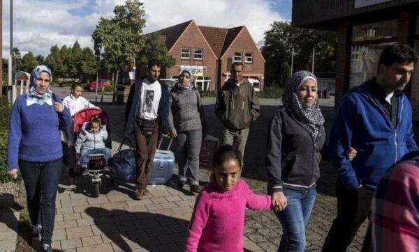 السوريون اللاجؤون في ألمانيا - وكالات - خطوة مفاجئة في ألمانيا: إلغاء طلبات لجوء آلاف السوريين .. ومصادر تكشف الأسباب