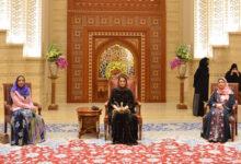 Photo of أول إطلالة رسمية لزوجة سلطان عُمان الملقبة بالسيدة الجليلة (فيديو)