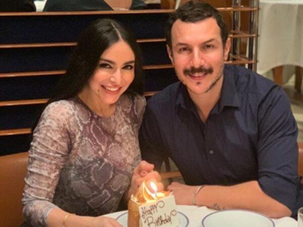 باسل خياط مع زوجته
