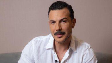 Photo of باسل خياط يتحدث بتأثّر عن والده الراحل ويتمنى مسح صورته بالشورت الأحمر من الوجود (فيديو)