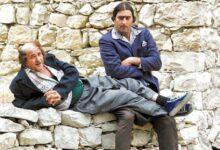 Photo of باسم ياخور يتذكر صديقه الراحل نضال سيجري بصورة من كواليس ضيعة ضايعة