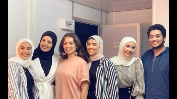 جيهان نصر مع عائلتها