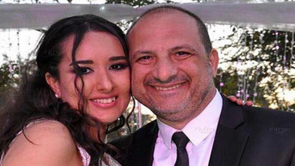 خالد الصاوي مع زوجته