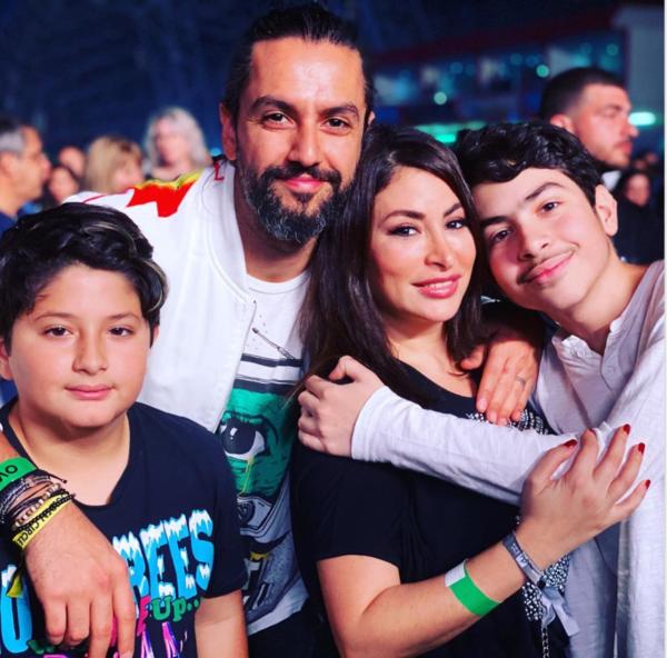 ديمة بياعة مع عائلتها