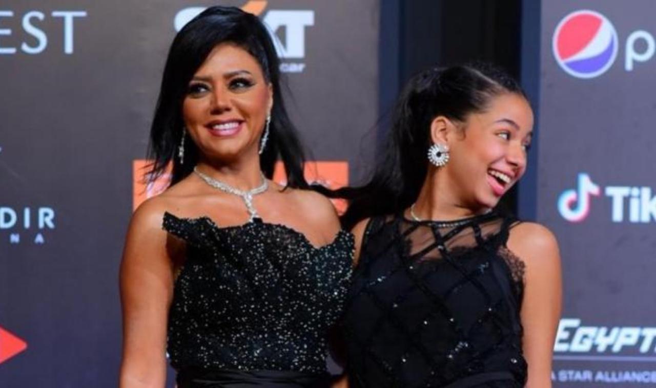 رانيا يوسف مع ابنتها