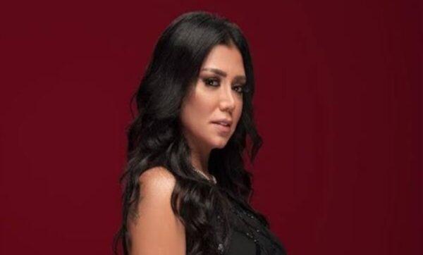 رانيا يوسف - مواقع التواصل الاجتماعي