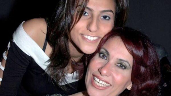 سعاد نصر مع ابنتها