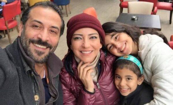 عبد المنعم العمايري مع عائلته