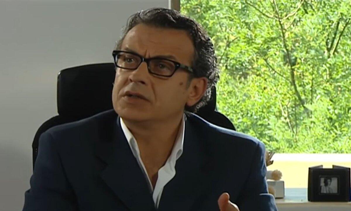 عدنان أبو الشامات - مواقع التواصل