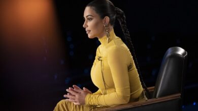 Photo of كيم كاردشيان بالضفيرة والفستان الأصفر..تبكي وتتذكر مواقف صعبة في حياتها