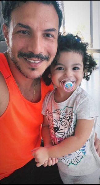 باسل خياط وابنته