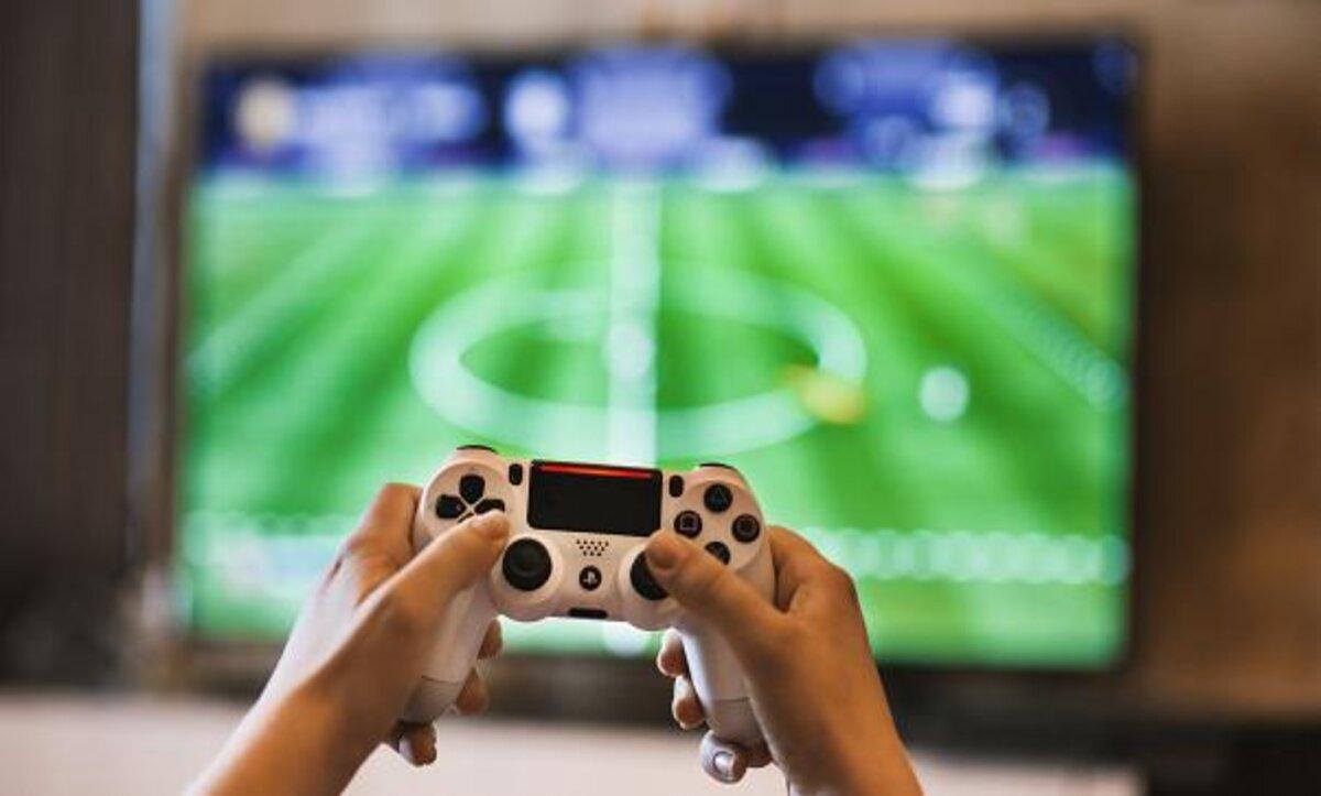 ألعاب الفيديو - مواقع التواصل