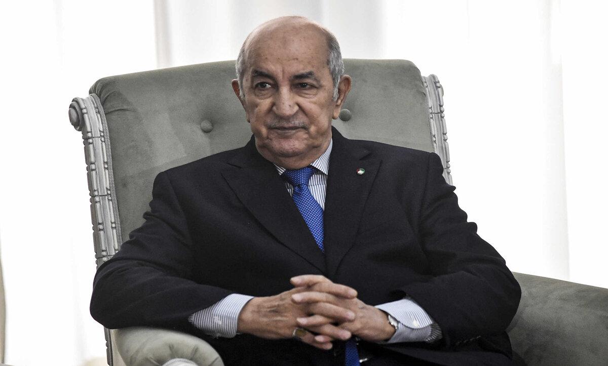 الرئيس الجزائري - مواقع التواصل