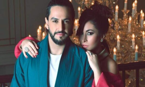 ديمة بياعة وزوجها أحمد المغربي ديمة بياعة وزوجها في فيديو رومانسي وحديث جريء داخل الحمام