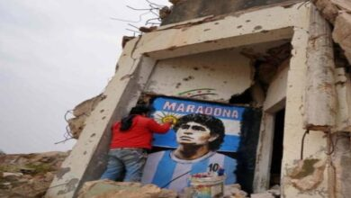 Photo of دييغو مارادونا في إدلب .. فنان سوري يحيي المنازل بجداريات جديدة