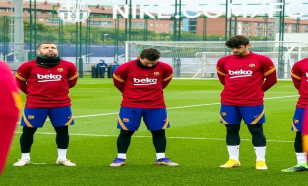 ليونيل ميسي - نادي برشلونة  رغم تصريحاته الغريبة بحقه.. ميسي يحزن على مارادونا ويبكي من أجله (فيديو)