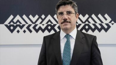 Photo of مستشار أردوغان: ماكرون كفرعون لديه جنون الارتياب من محيطه