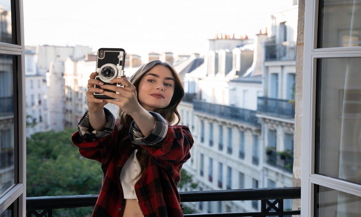 مسلسل ايميلي في باريس -وكالات