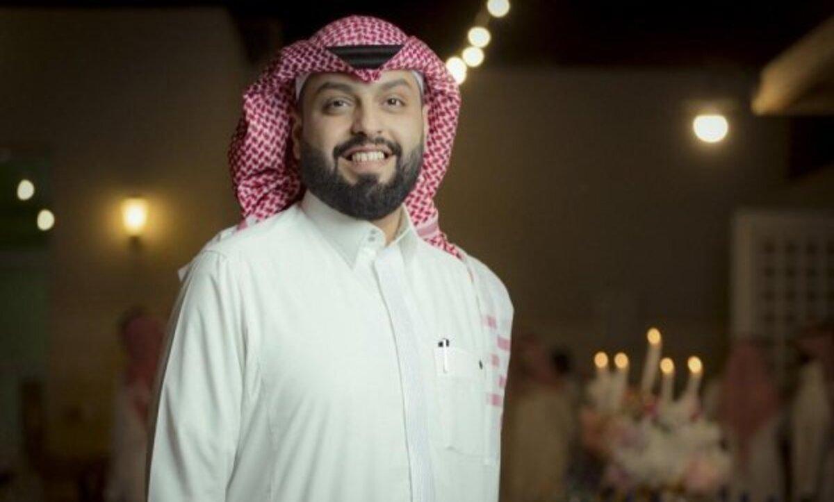 منصور الرقيبه - مواقع التواصل الاجتماعي