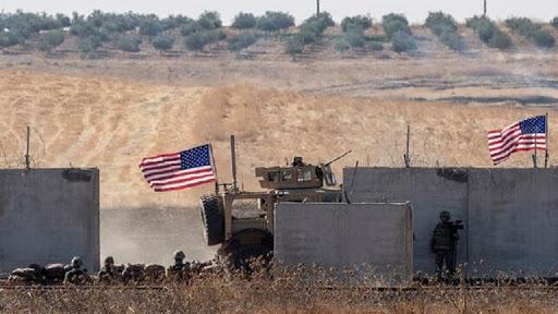 وصلة رقص بالقرب من إحدى النقاط الأمريكية شمال سوريا (فيديو)